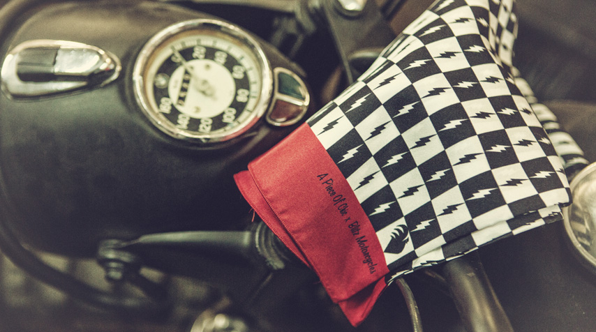 """The """"classic scarf"""" on the BMW R60/2 Great Escape."""