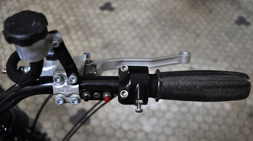 ISR brake lever. Right switch for starter and speedo display.