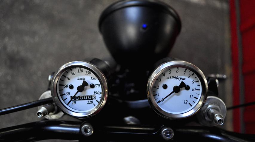 Mini speedo and tachymeter.