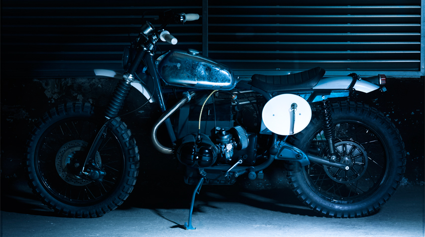 - the frame has been duck blue powder coated; - the engine has been matt black high temperature painted.