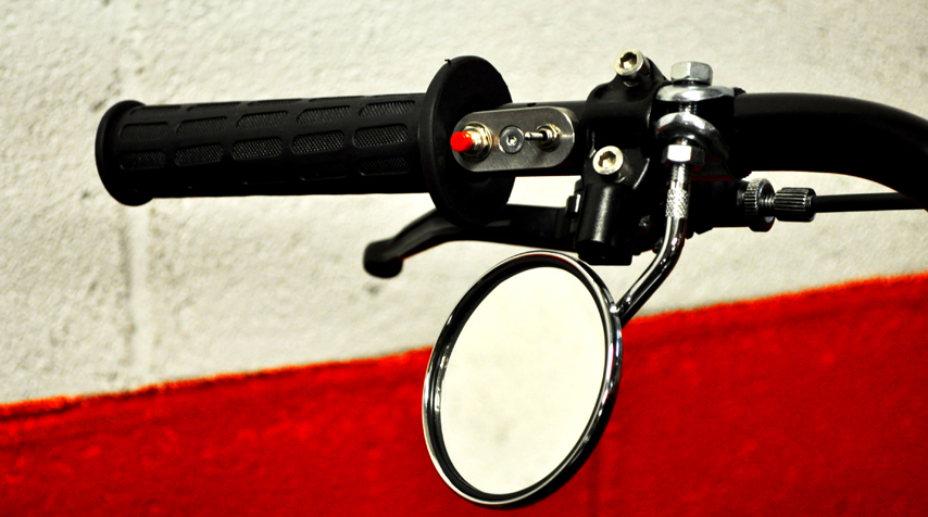- aftermarket levers (for clutch and front brake); -Blitz Motorcyclesmini switches (100% stainless steel / made in France).