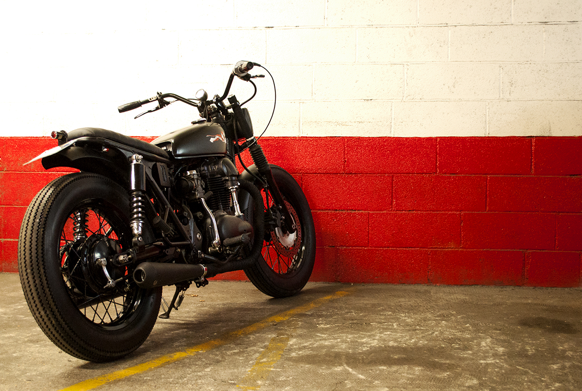Firestone Deluxe  tires (both front and rear). Matt black powder coating of the frame, all crankcase covers and fenders.