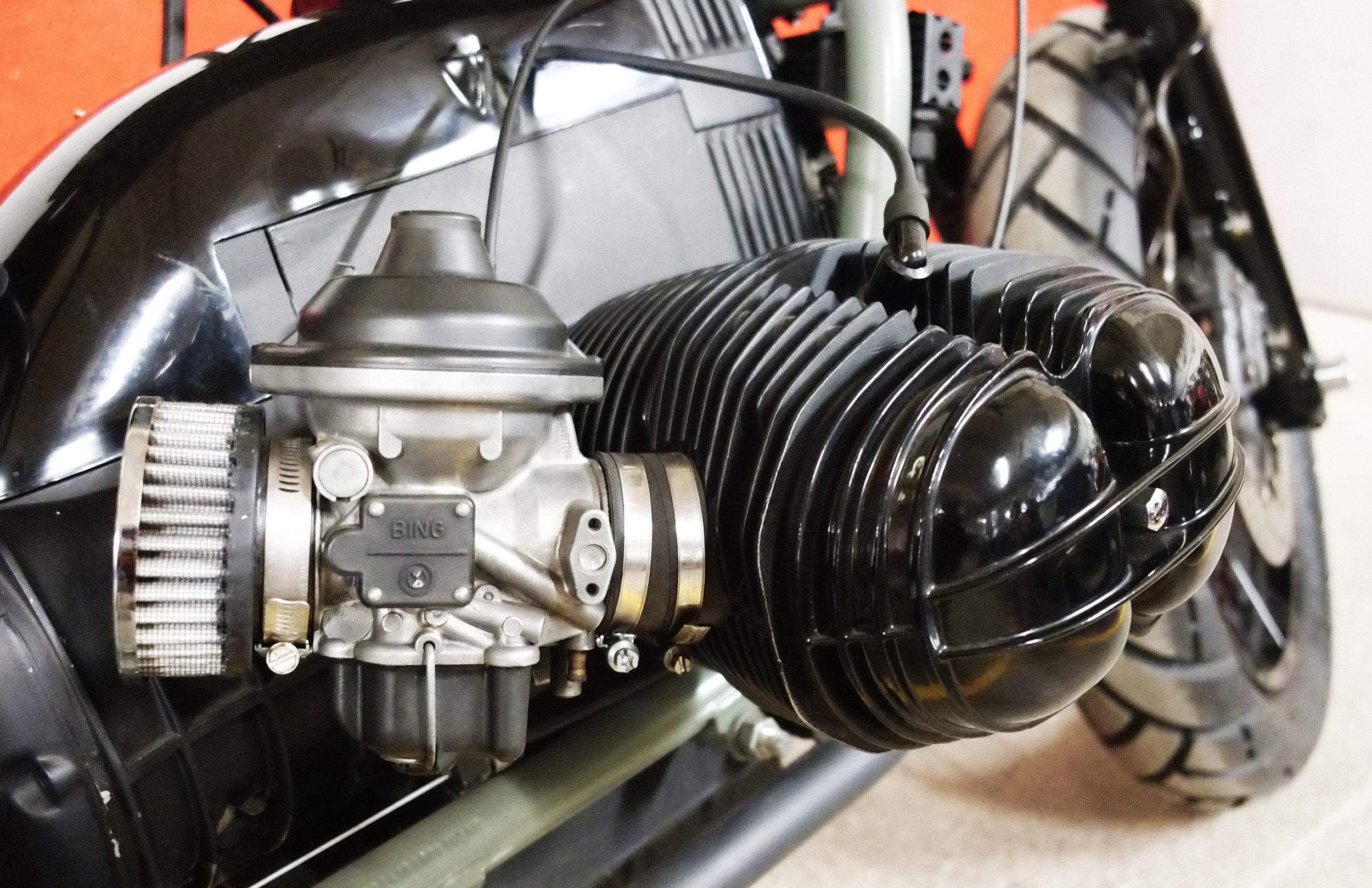 - Fully reconditioned and re-jetted  Bing  carburetors;  -  K&N  air filters;  - ceramic black painting of top and cup of the carburetors.