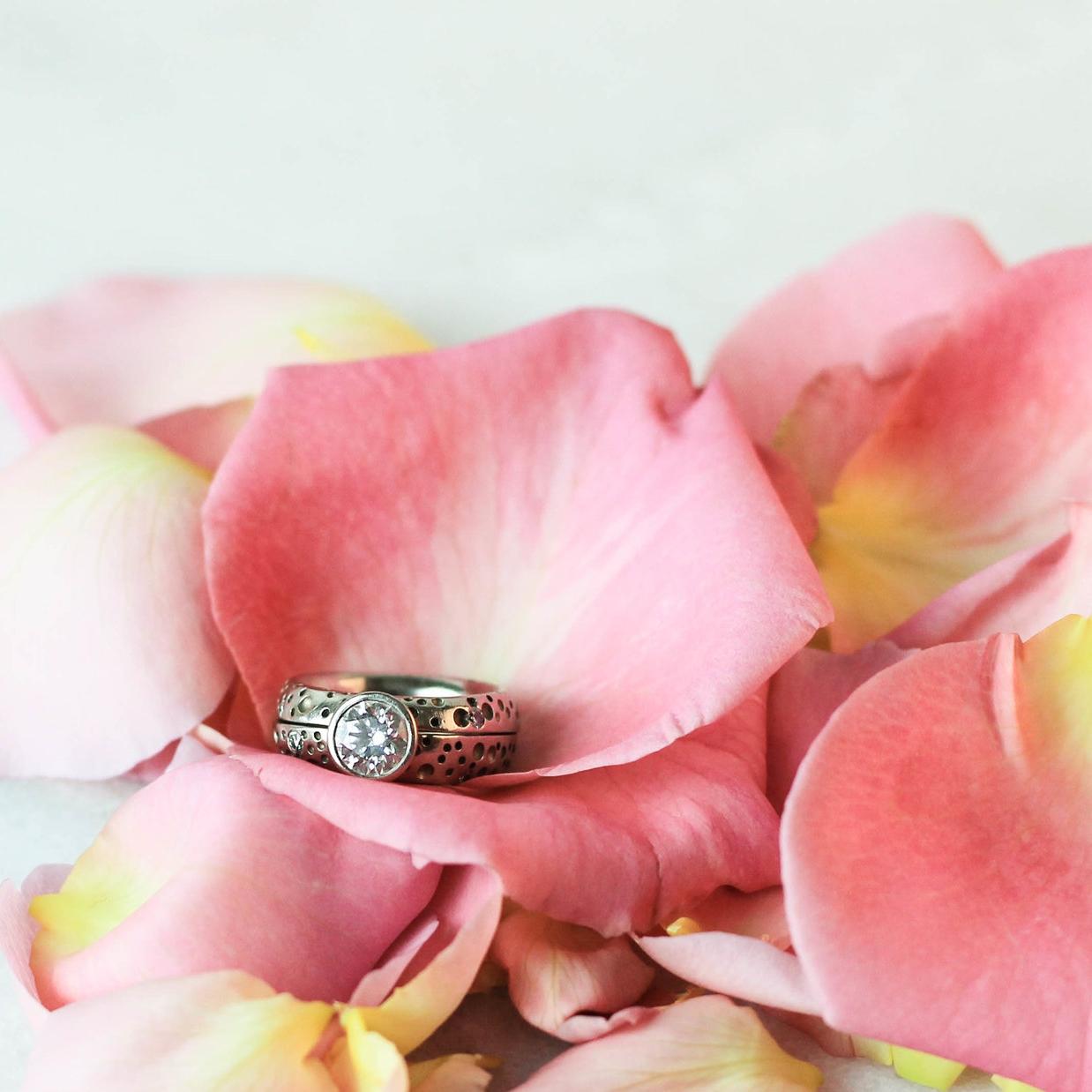 hypoallergenic-wedding-ring-set