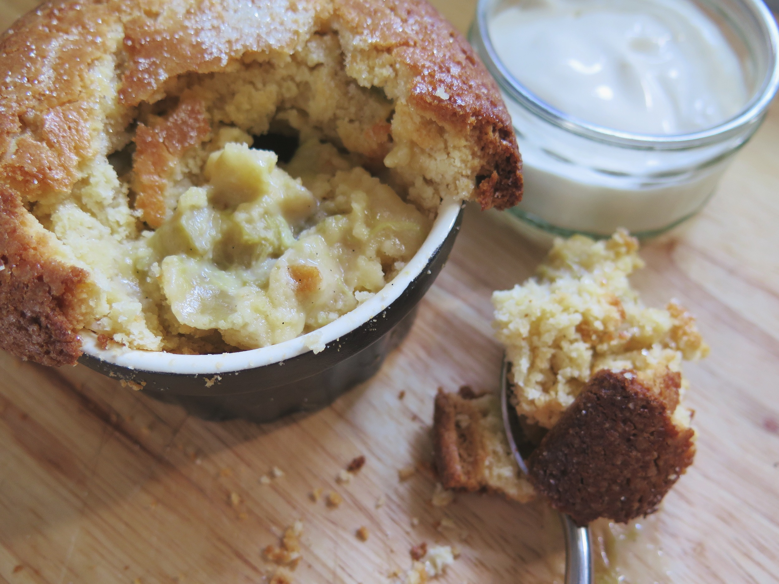 andy-bates-rhubard-custard-shortcake-pots