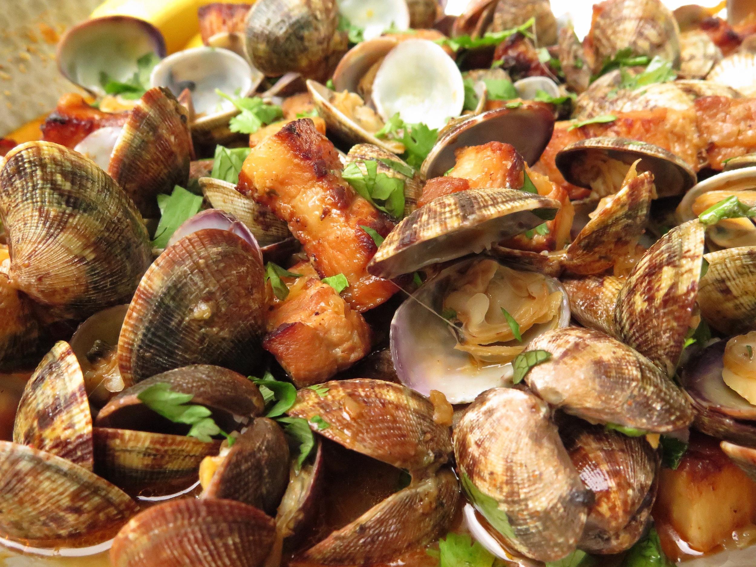 andy-bates-pork-clams