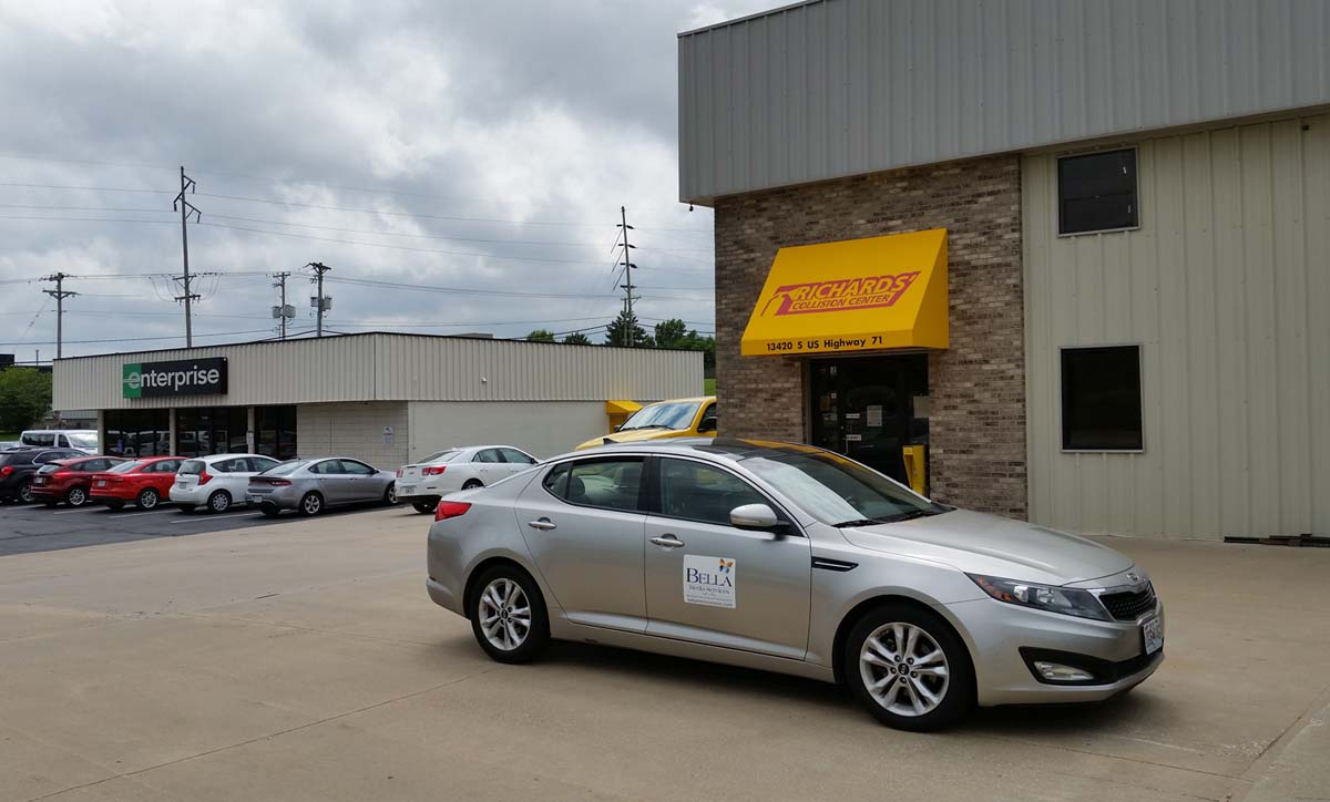 Richards Body Shop >> Auto Body Gallery Richards Collision Center Serving Kc Metro