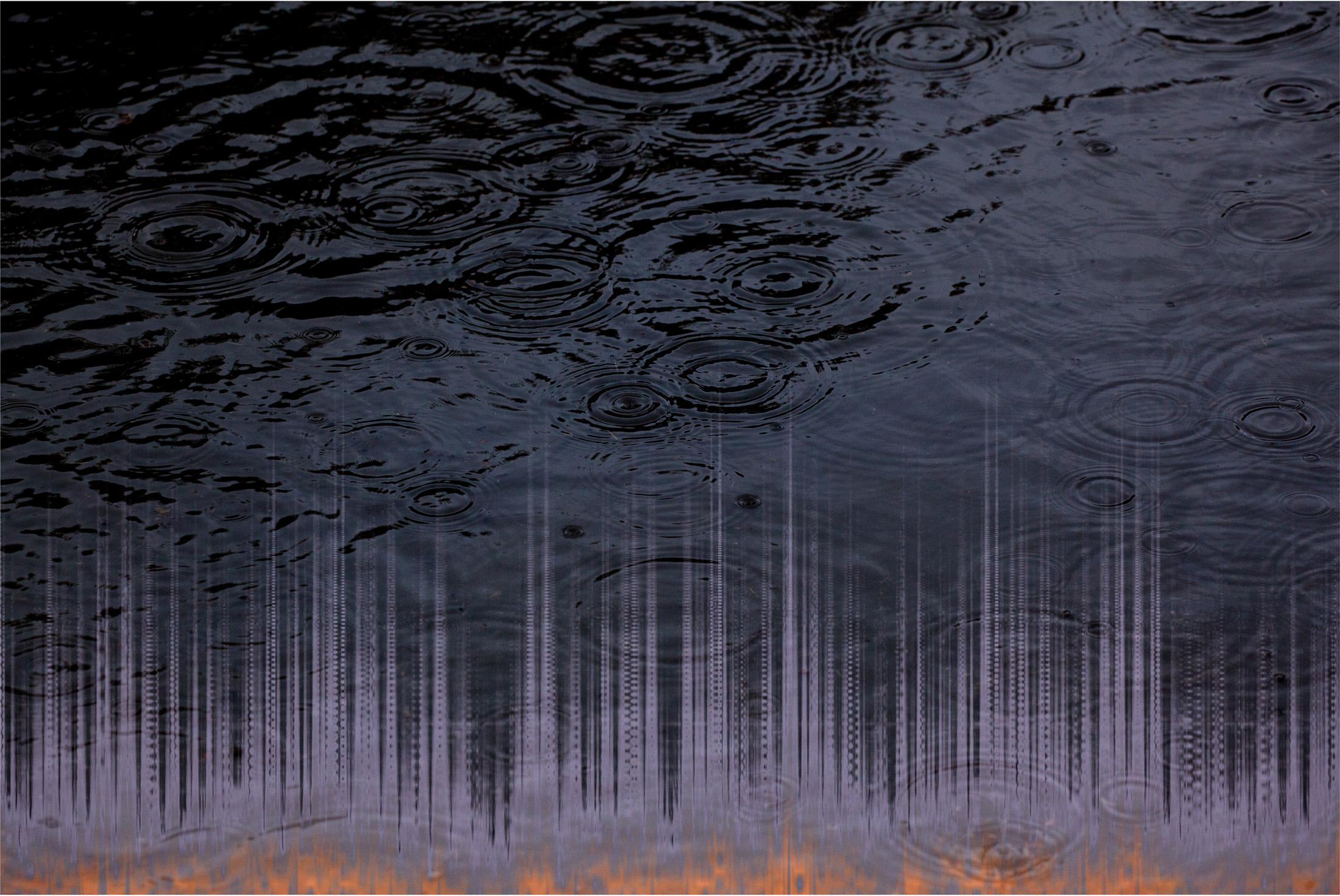 flood warning, puddles, thunder