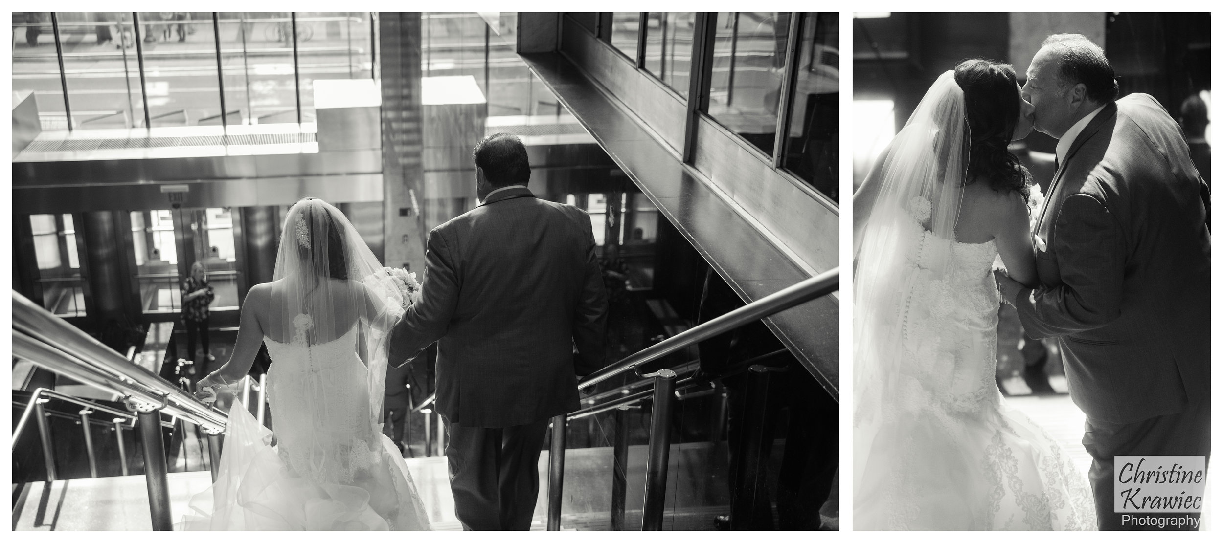 Lauren had the great idea of having her dad walk her to the first look, it's such a beautiful moment between the two of them!