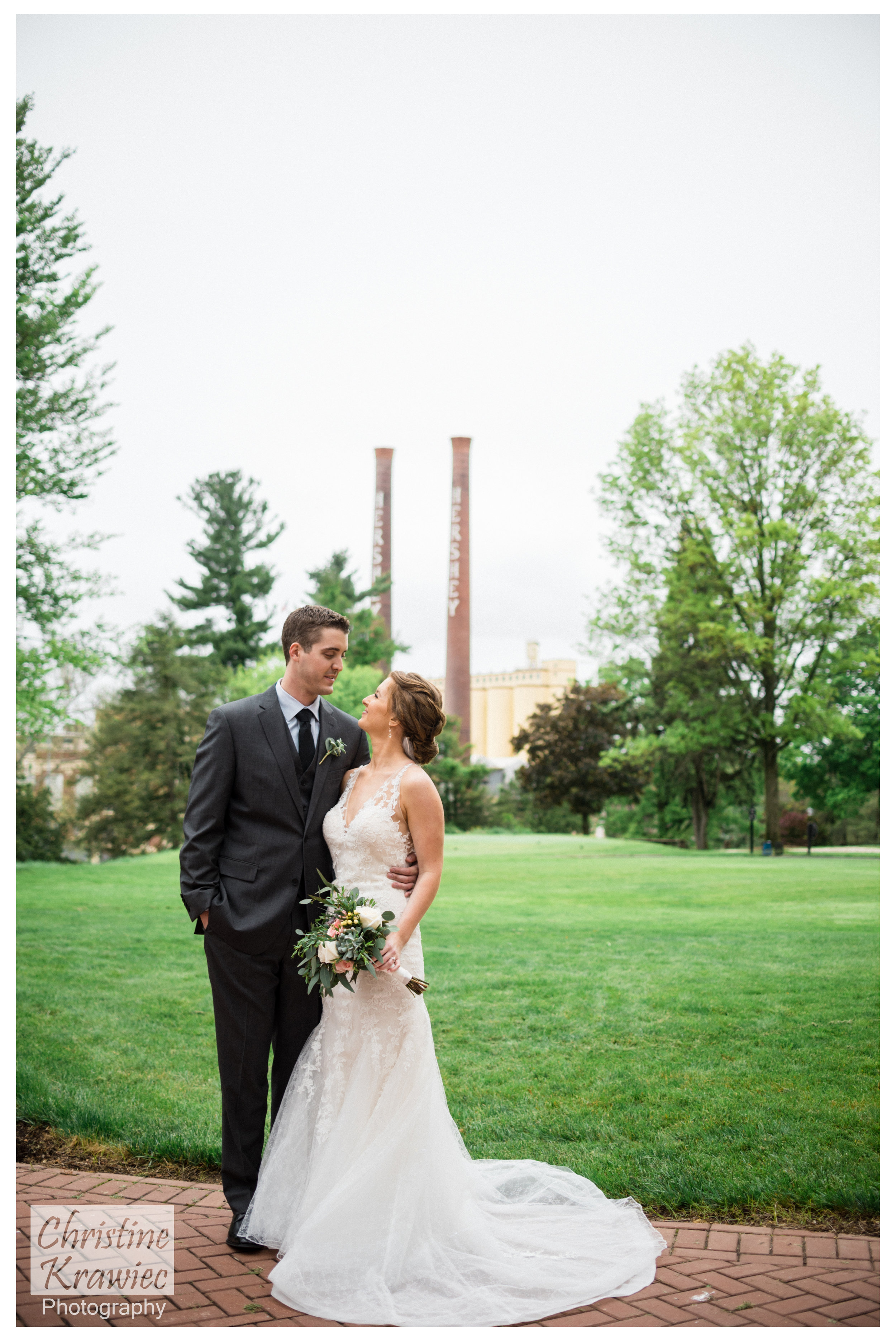 27 bride-and-groom-hershey-chocolate.jpg