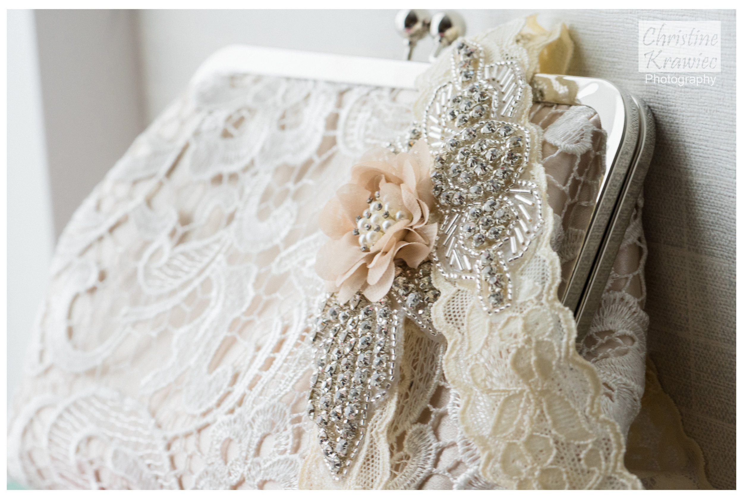 3 - lace_bridal_clutch.jpg