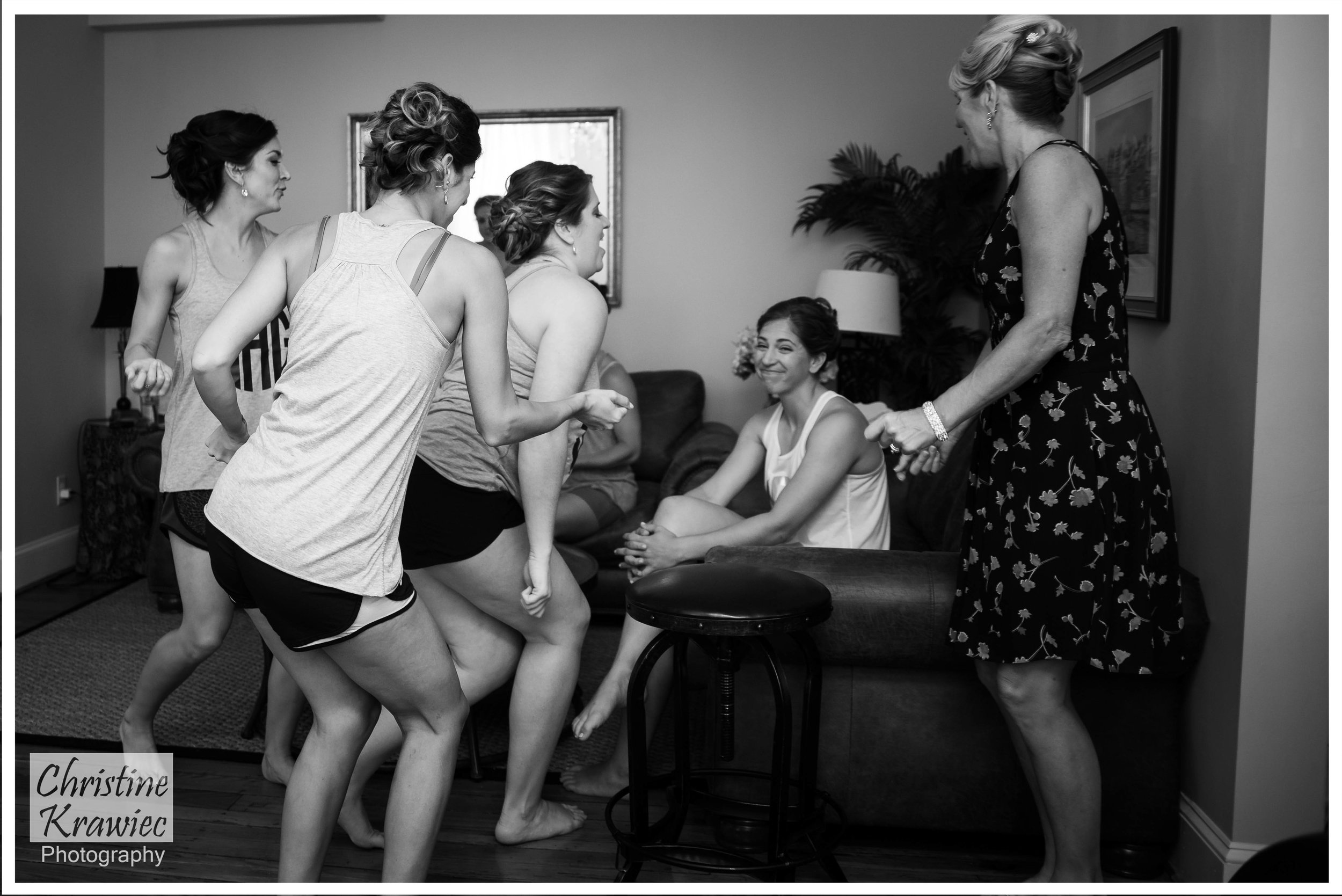 10 - Bridesmaids_singing.jpg