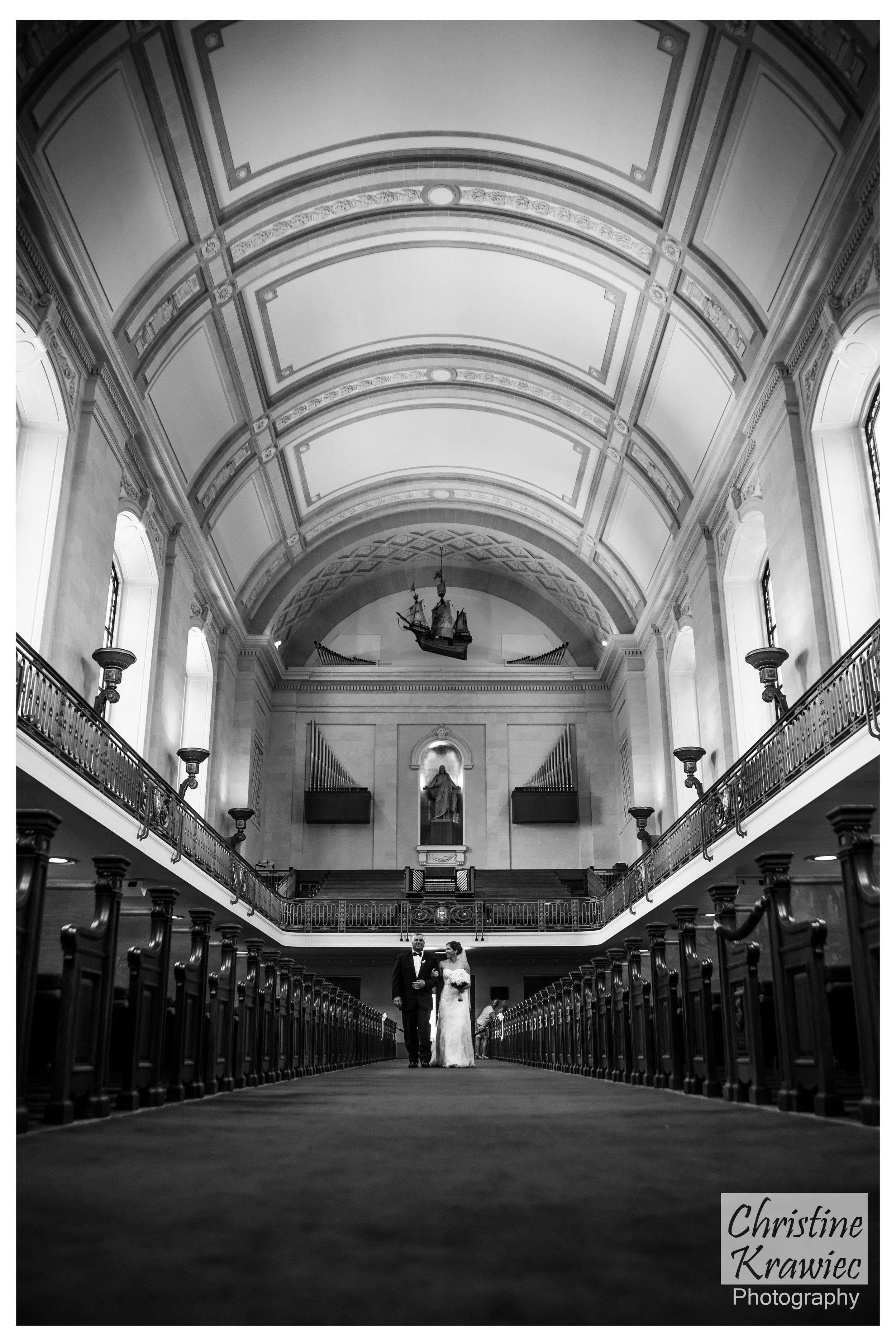 32 - naval_academy_bride_aisle.jpg