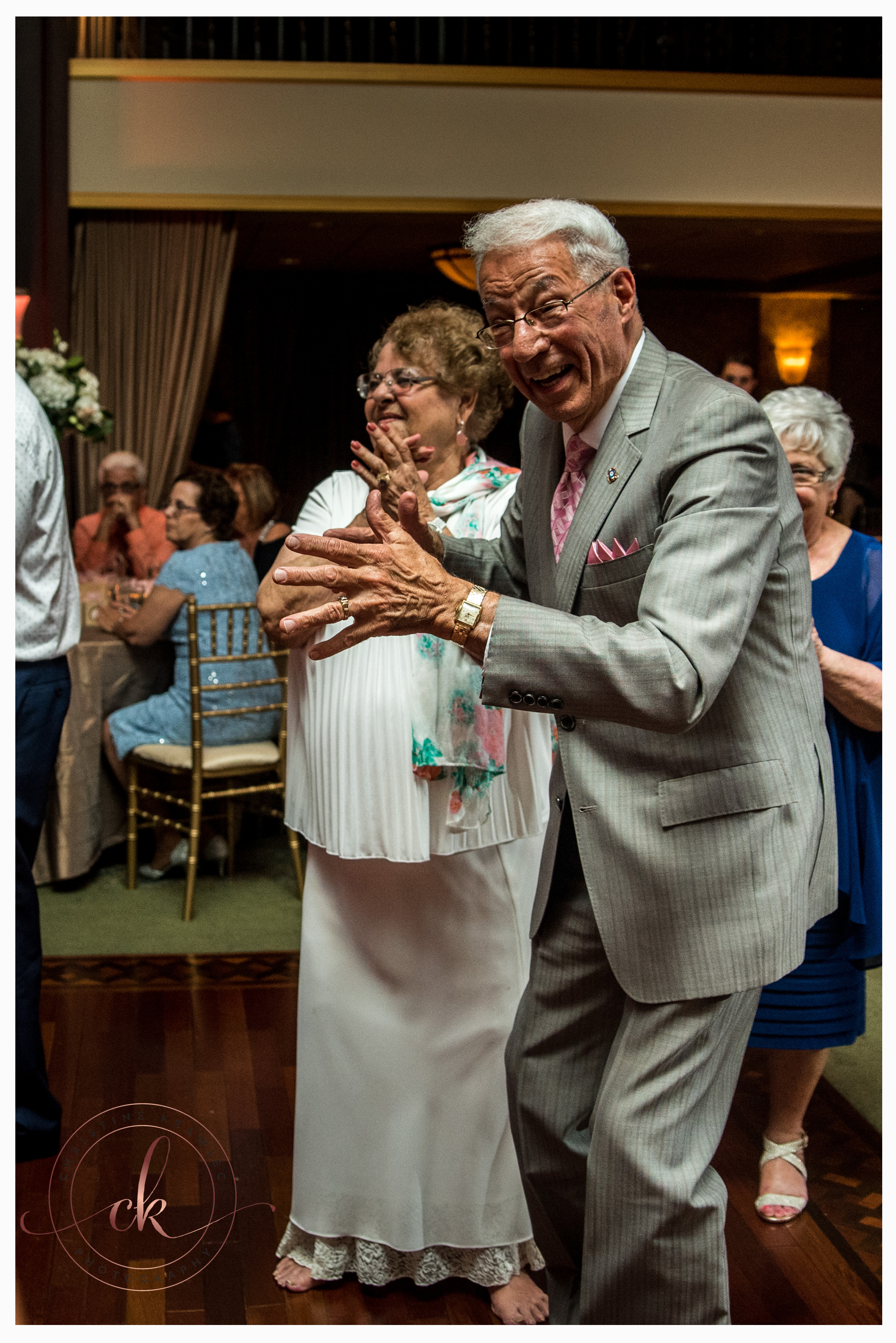 54 wedding_guests_dance_collingswood.jpg