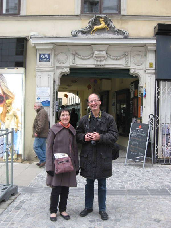 Visitors on a free walk with Vienna Greeters