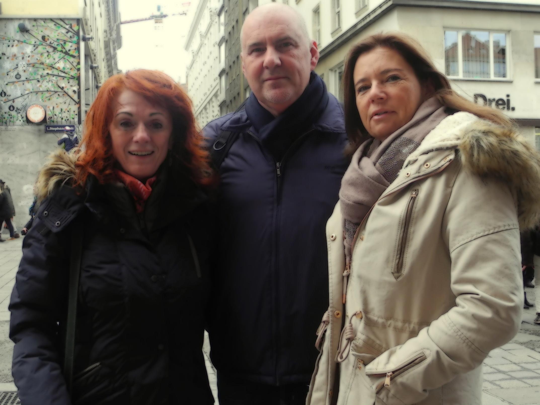 Group photo on a walk through Vienna