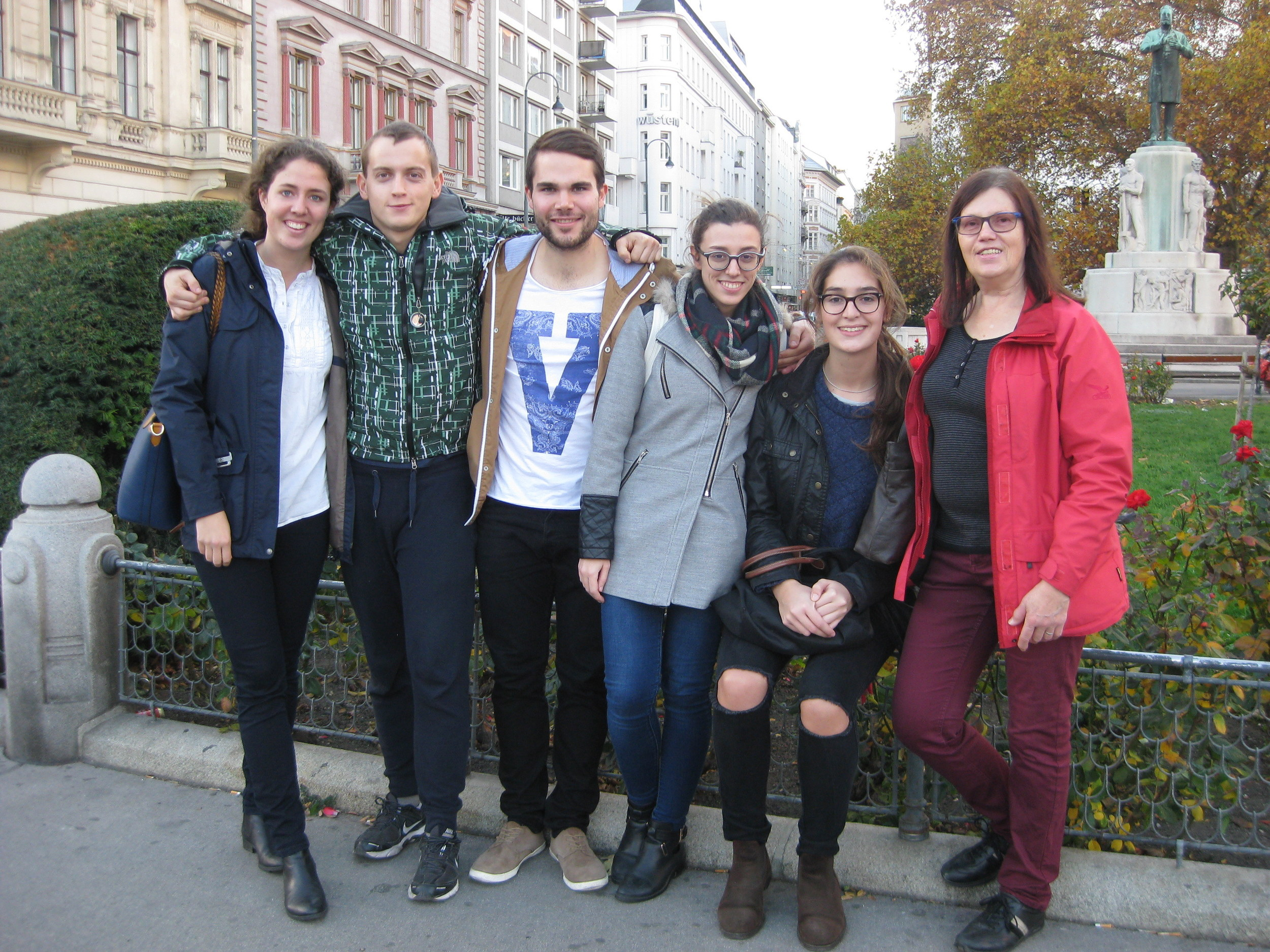 Group photo on a Vienna Greeters walk