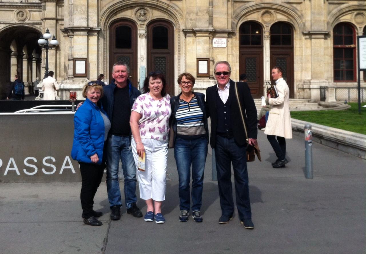 Happy faces on a Vienna Greets walk