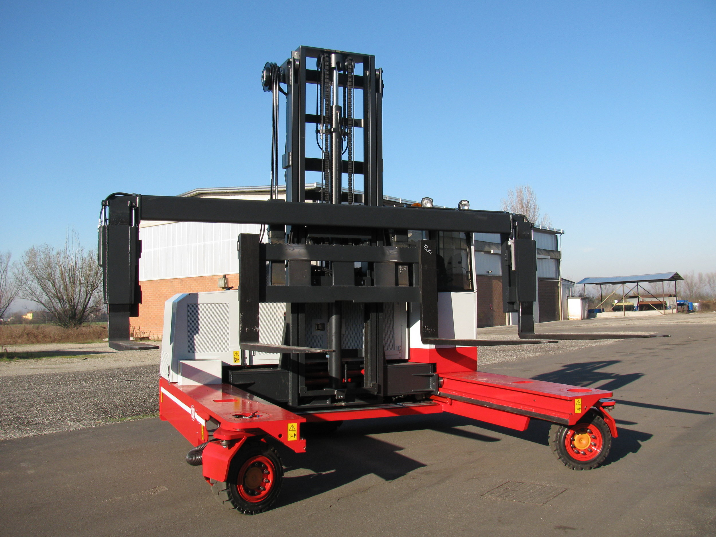BP with wide fork carriage for those extra wide loads