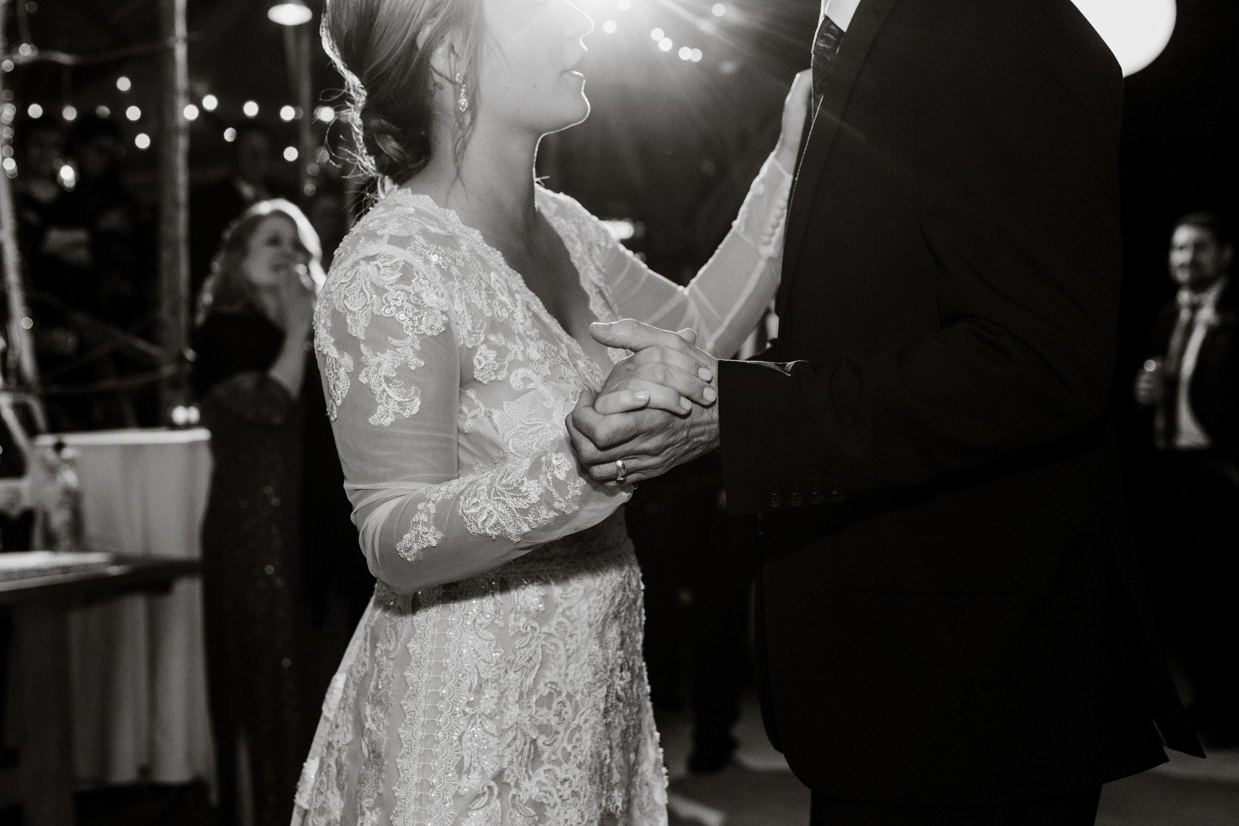 young-love-media-rustic-fall-autumn-wedding-emmerich-tree-farm-hudson-valley-warwick-new-york-reception-96.jpg