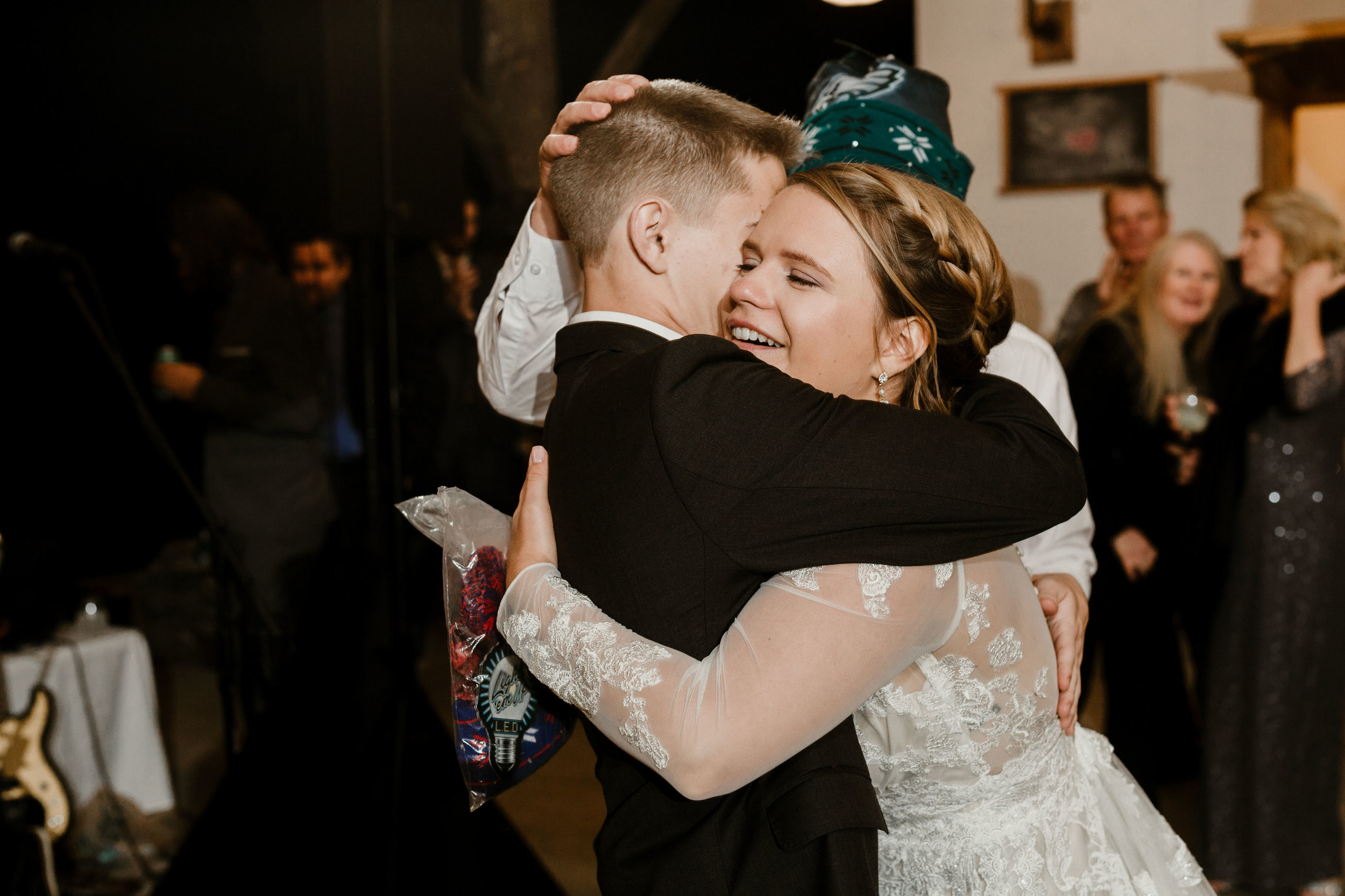 young-love-media-rustic-fall-autumn-wedding-emmerich-tree-farm-hudson-valley-warwick-new-york-reception-284.jpg