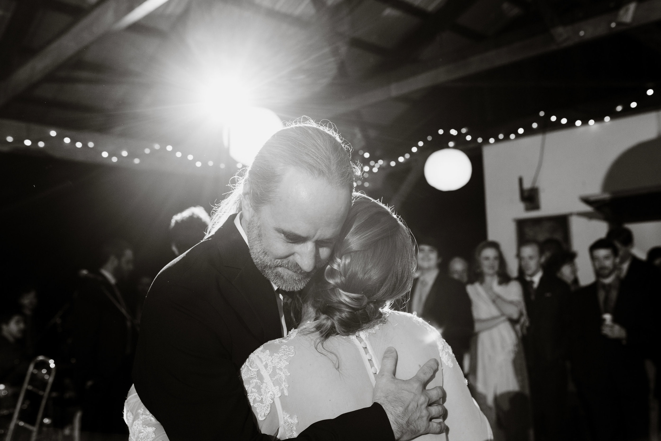 young-love-media-rustic-fall-autumn-wedding-emmerich-tree-farm-hudson-valley-warwick-new-york-reception-167.jpg