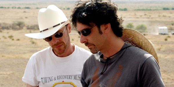 Joel Coen and Ethan Coen on the set of  No Country for Old Men