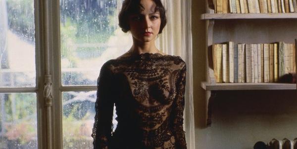 Maria de Medeiros in Philip Kaufman's  Henry & June