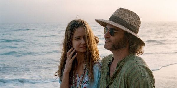 Katherine Waterston and Joaquin Phoenix in Paul Thomas Anderson's  Inherent Vice