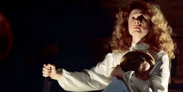 Piper Laurie and Sissy Spacek in Brian De Palma's  Carrie