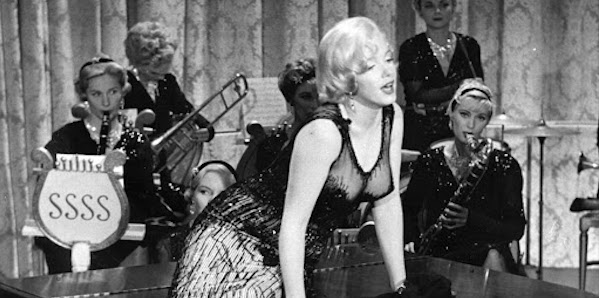 Marilyn Monroe and the SSSS band in Billy Wilder's  Some Like it Hot