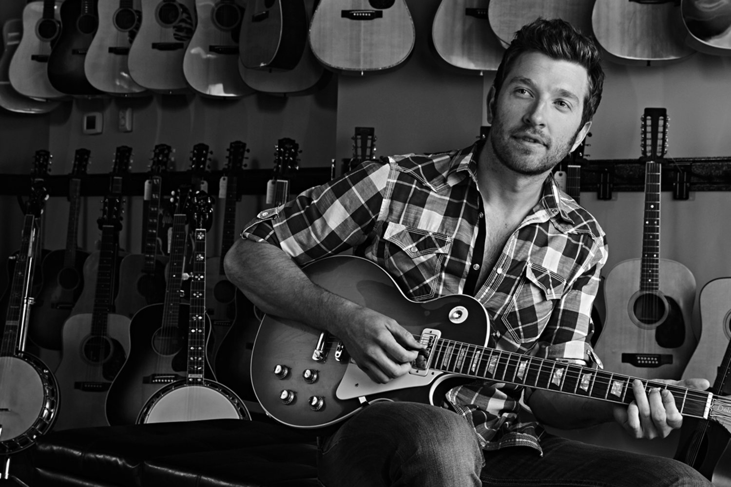 brett+guitar+shop+4bw.jpg