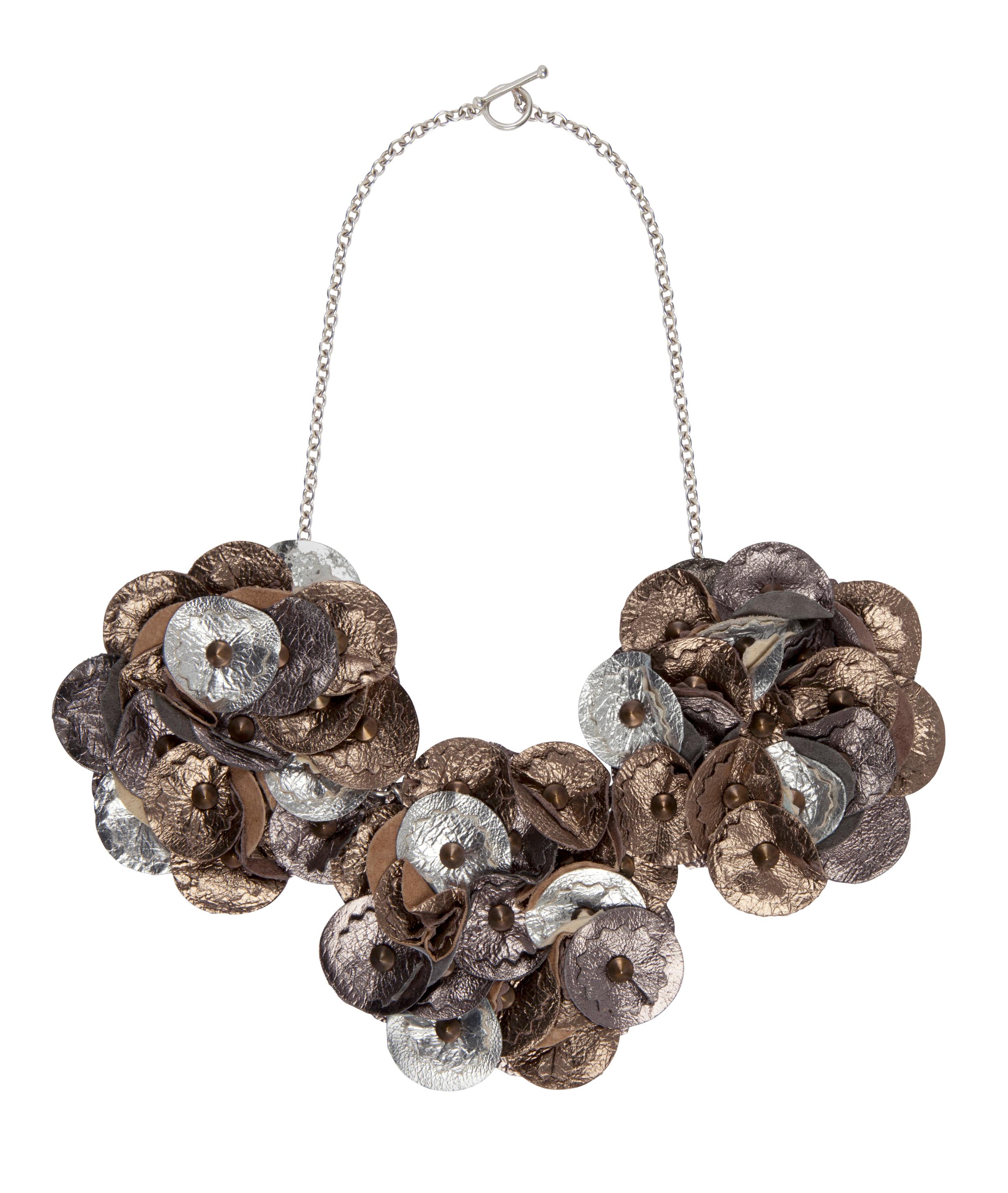 Elsie Metallic Necklace /// Petwer