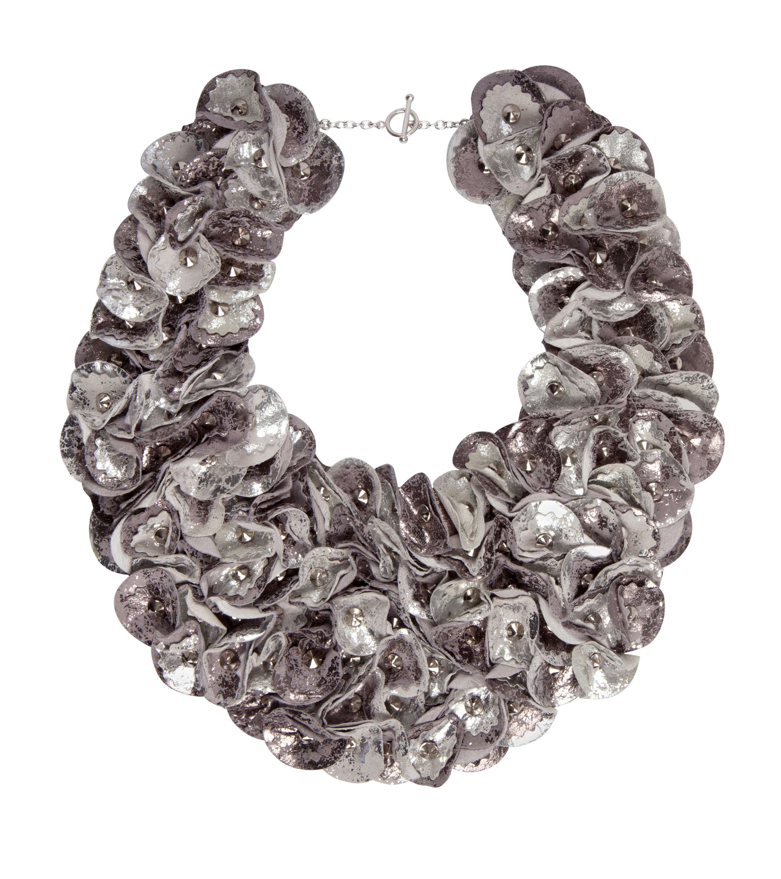 Rylie Antique Collar