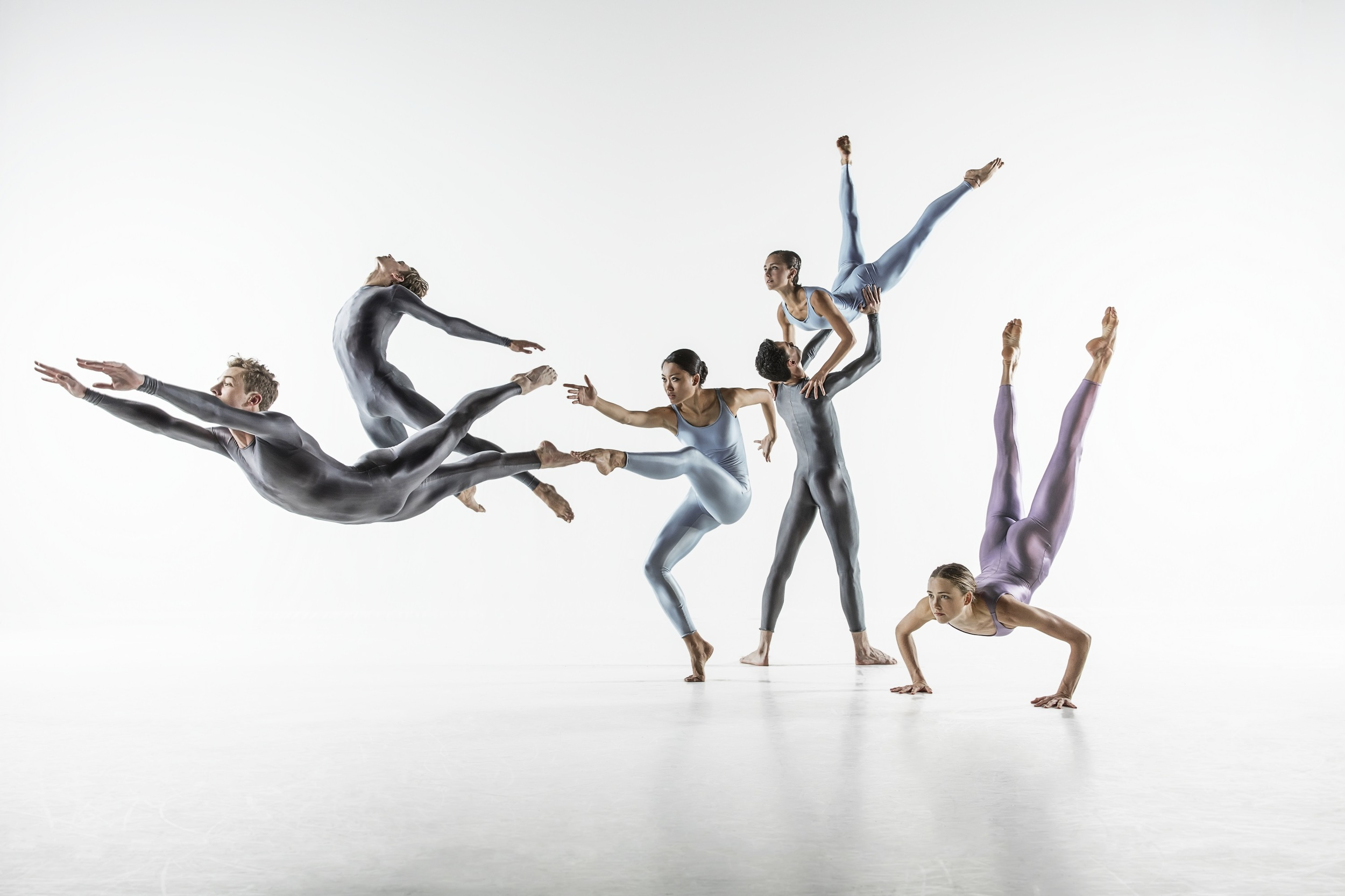 Dance Consortium's NDT2 UK Tour Spring 2016 (photo: Johan Persson)