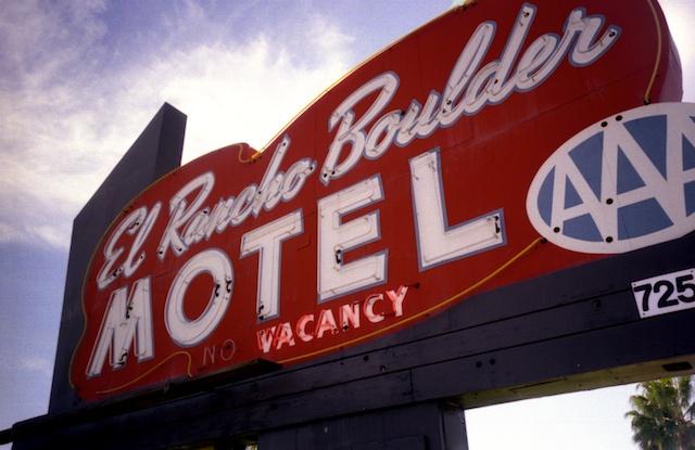 el rancho sign.jpg