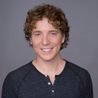 """SHANE SNOW - Founder/ReporterWrites for the New Yorker, Wired, Fast Company and Advertising Age. Business Insider named him one of the """"100 Coolest People in Tech."""""""