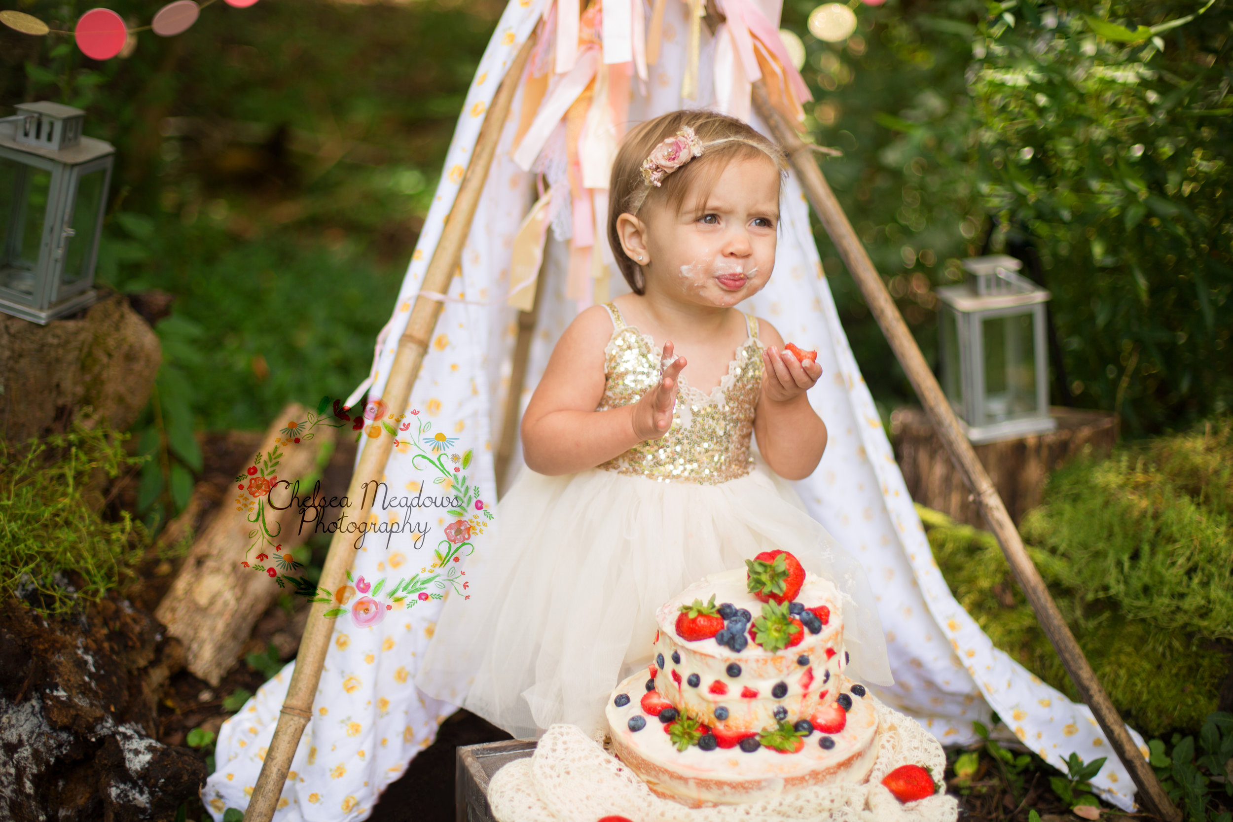 Paisley First Birthay Cake Smash - Nashville Family Photographer - Chelsea Meadows Photography (26).jpg