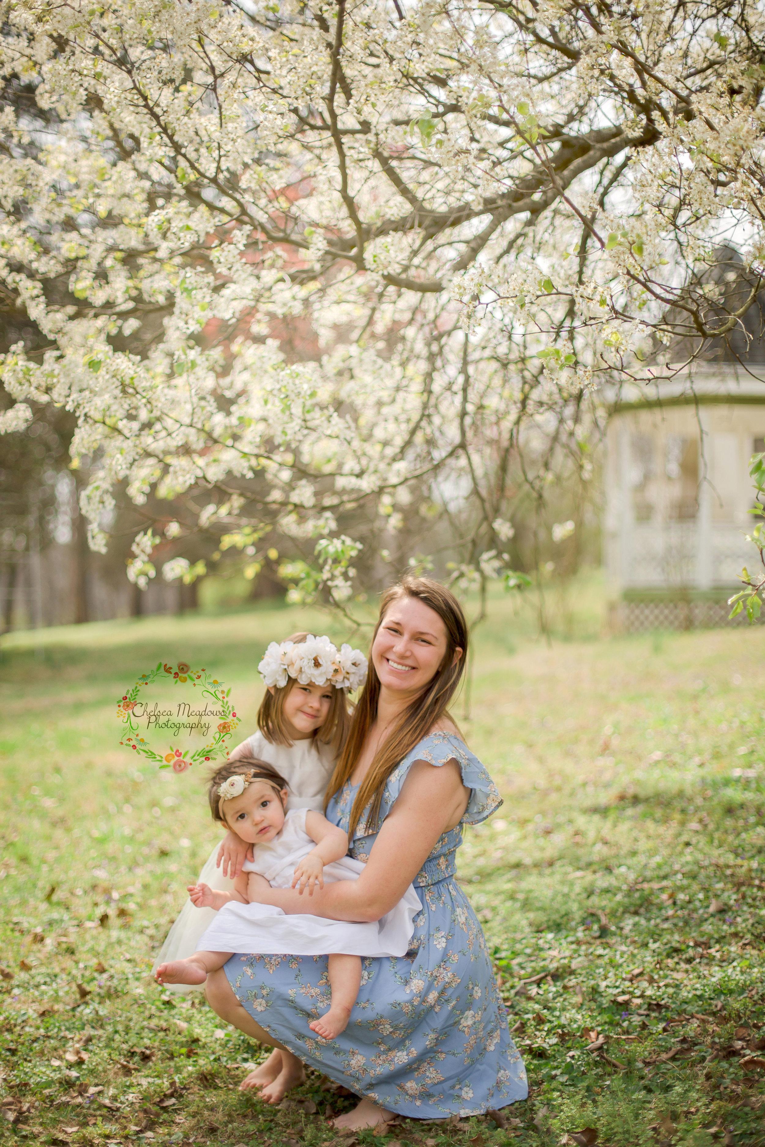 Ellis Family Spring Minis - Nashville Family Photographer - Chelsea Meadows Photography (10)_edited-1.jpg