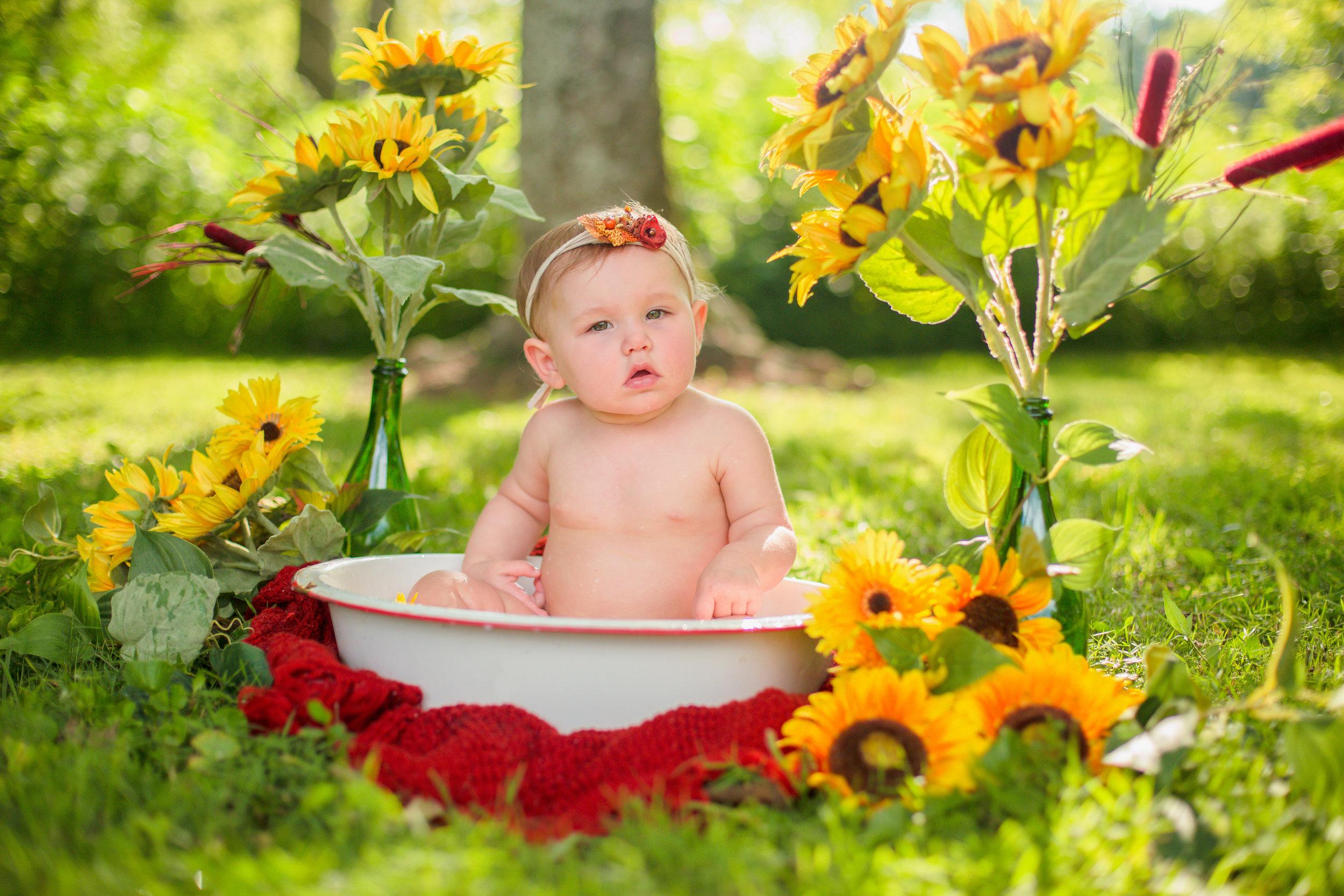 Sawyer-Jo-Sunflower-Milk-bath-Nashville-Family-Photographer-Chelsea-Meadows-Photography-(1).jpg