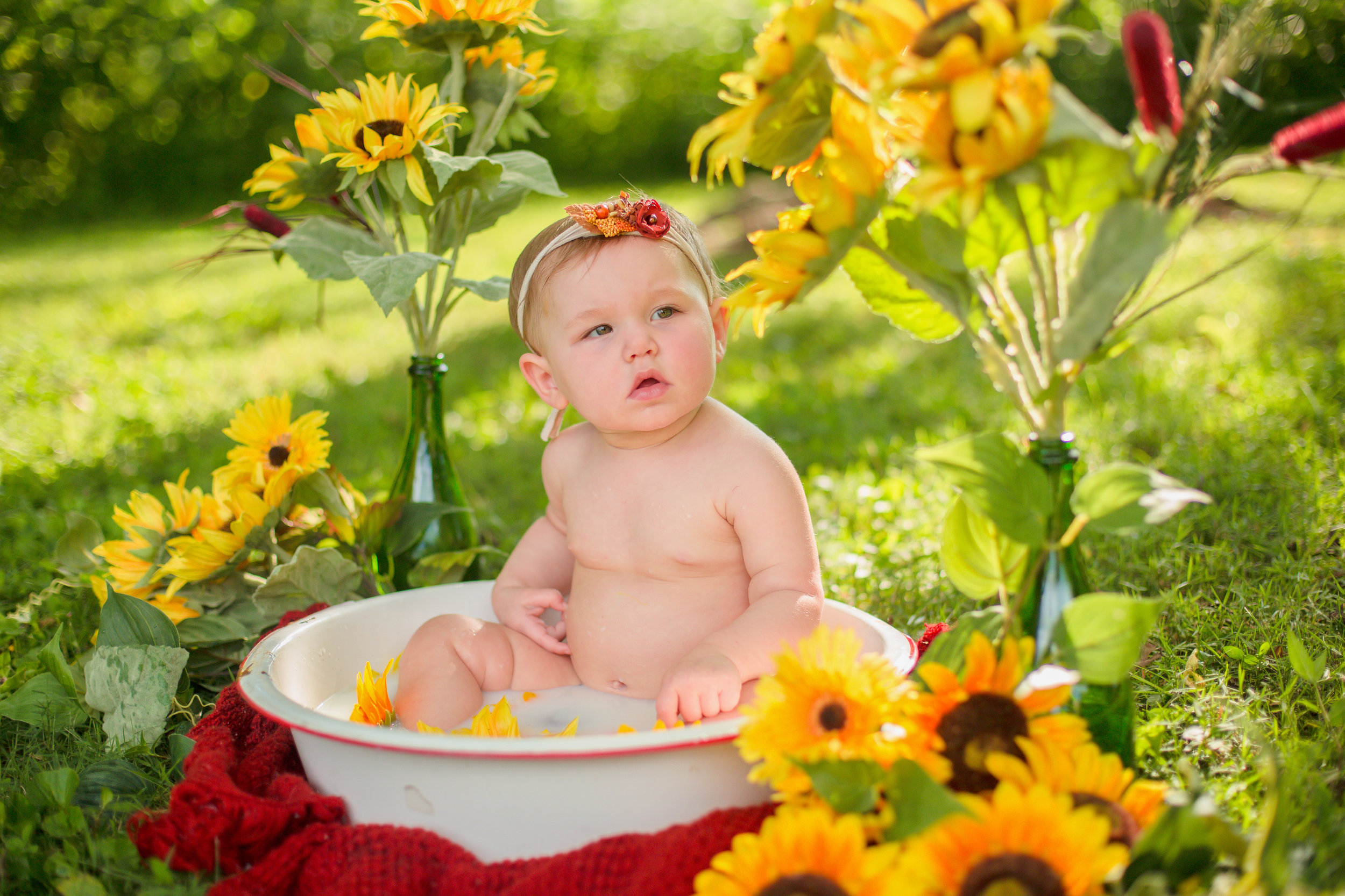 Sawyer-Jo-Sunflower-Milk-bath-Nashville-Family-Photographer-Chelsea-Meadows-Photography-(2).jpg