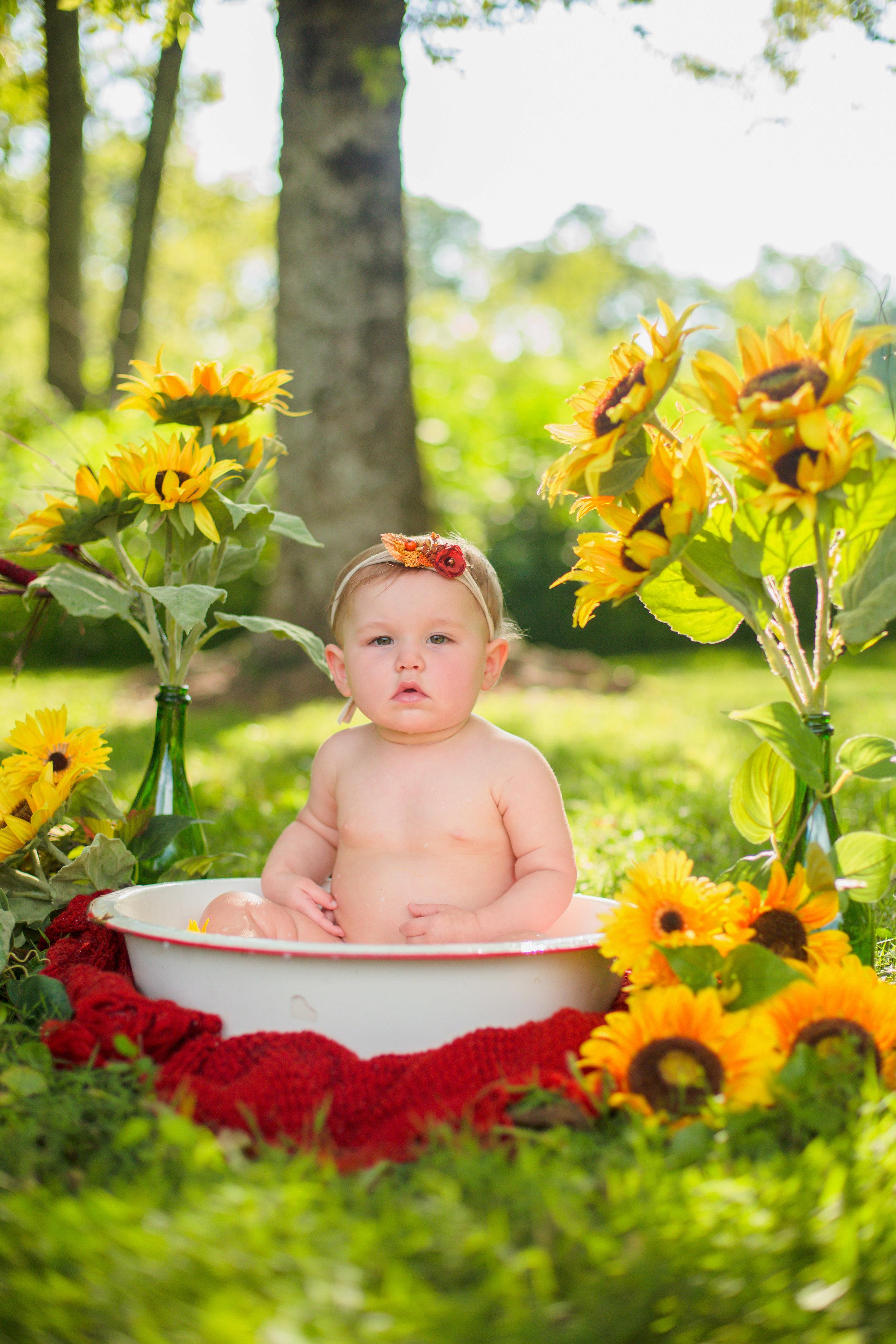 Sawyer-Jo-Sunflower-Milk-bath-Nashville-Family-Photographer-Chelsea-Meadows-Photography-(15).jpg