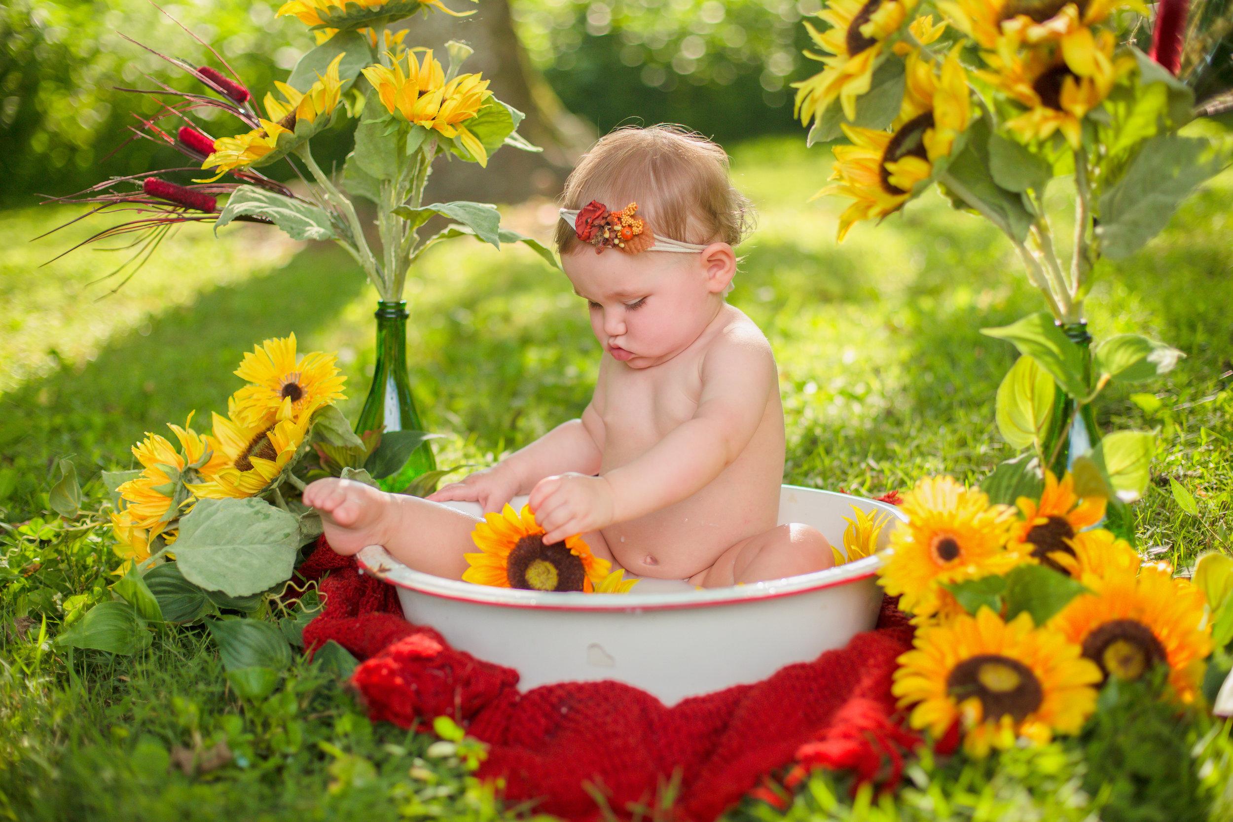 Sawyer-Jo-Sunflower-Milk-bath-Nashville-Family-Photographer-Chelsea-Meadows-Photography-(24).jpg