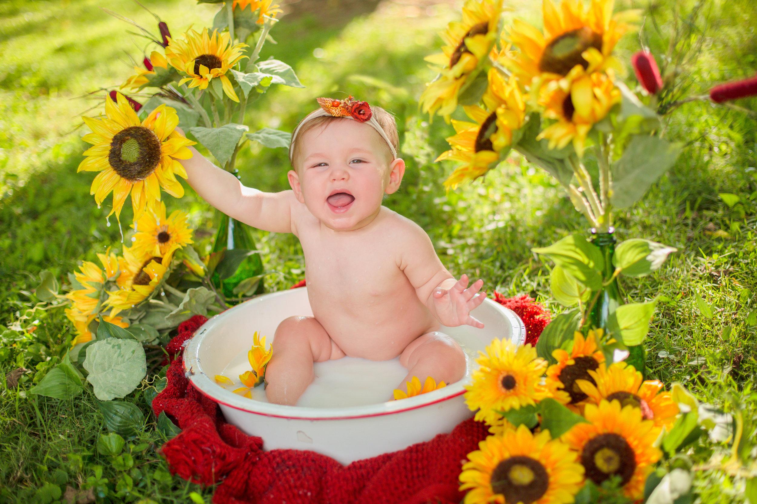 Sawyer-Jo-Sunflower-Milk-bath-Nashville-Family-Photographer-Chelsea-Meadows-Photography-(25).jpg