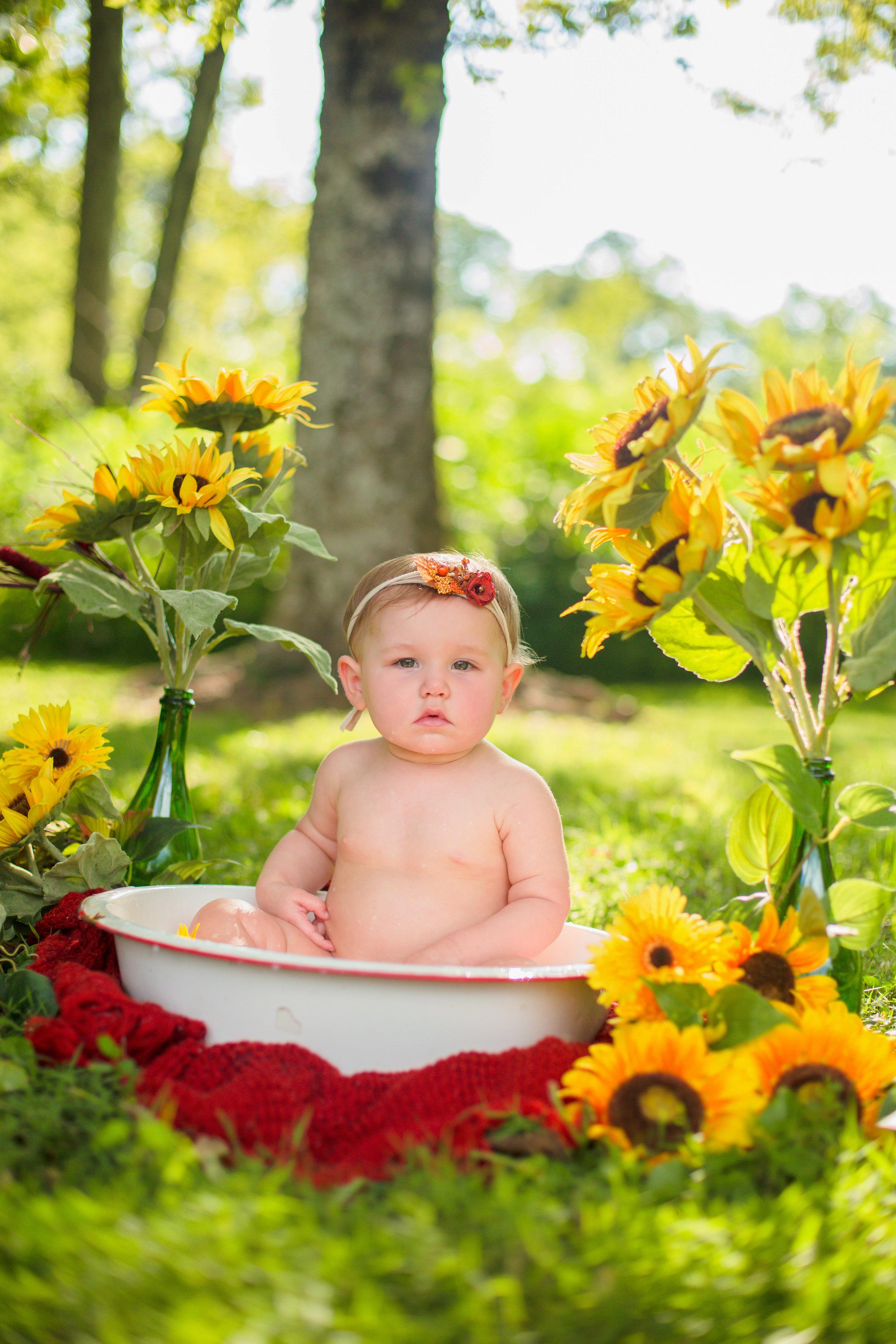 Sawyer-Jo-Sunflower-Milk-bath-Nashville-Family-Photographer-Chelsea-Meadows-Photography-(51).jpg