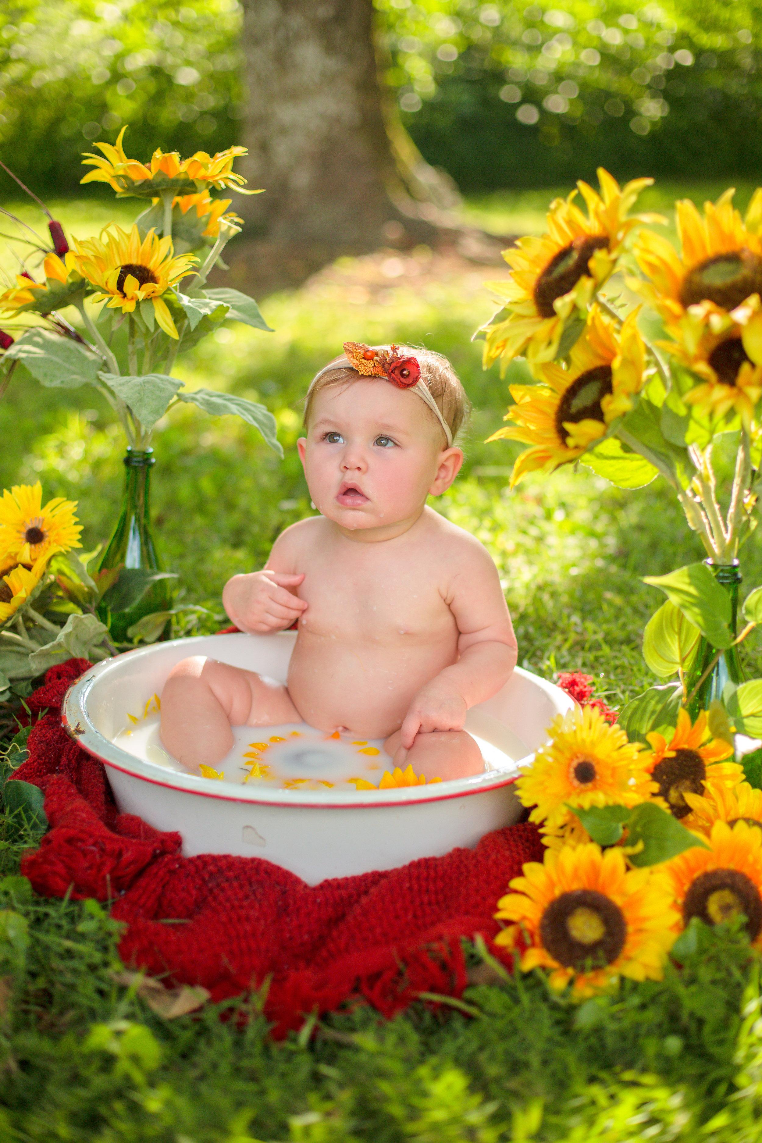 Sawyer-Jo-Sunflower-Milk-bath-Nashville-Family-Photographer-Chelsea-Meadows-Photography-(36).jpg