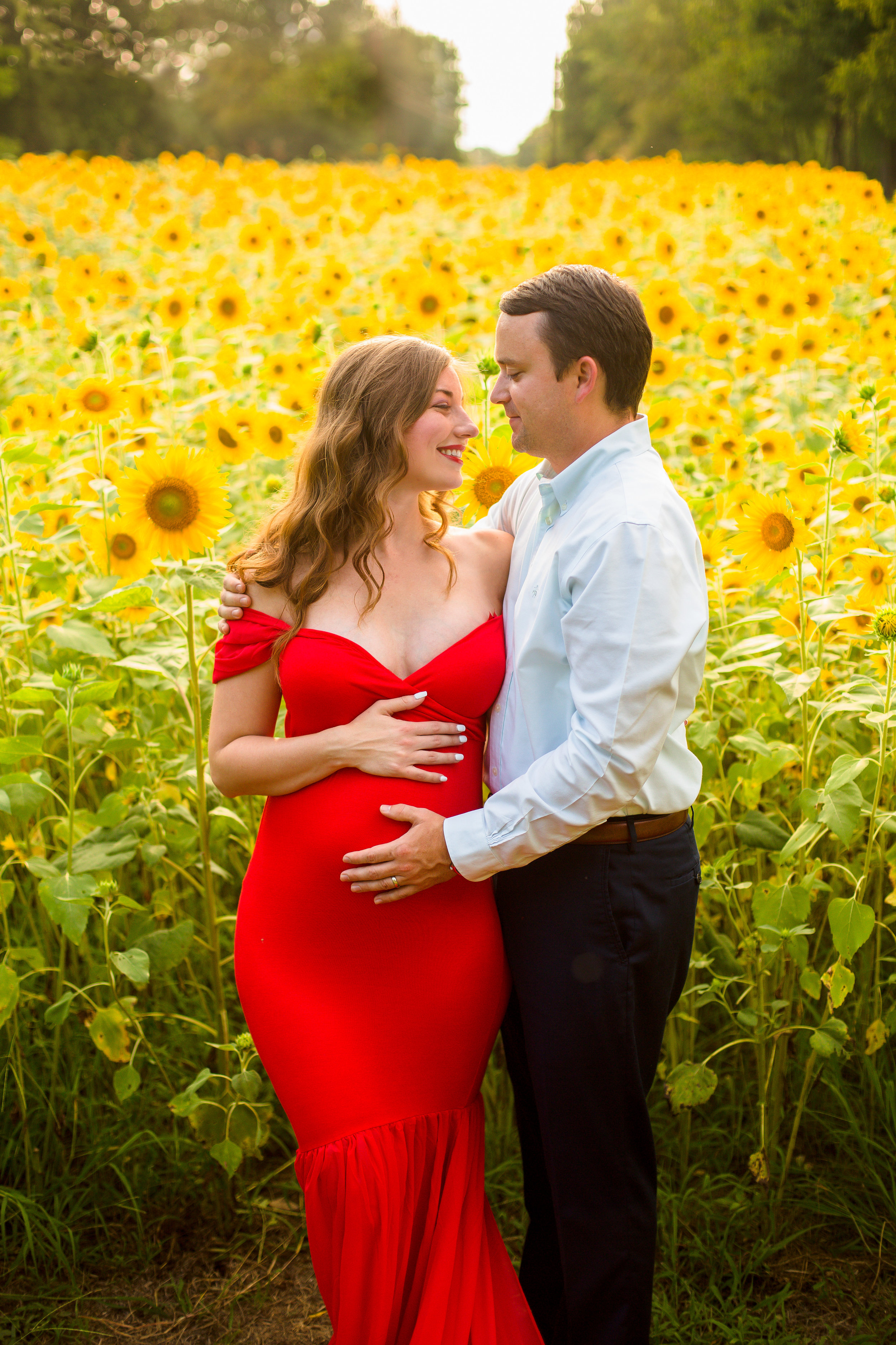 Alexis-&-Quent-Sunflower-Maternity-Nashville-Maternity-Photographer-Chelsea-Meadows-Photography-(4).jpg
