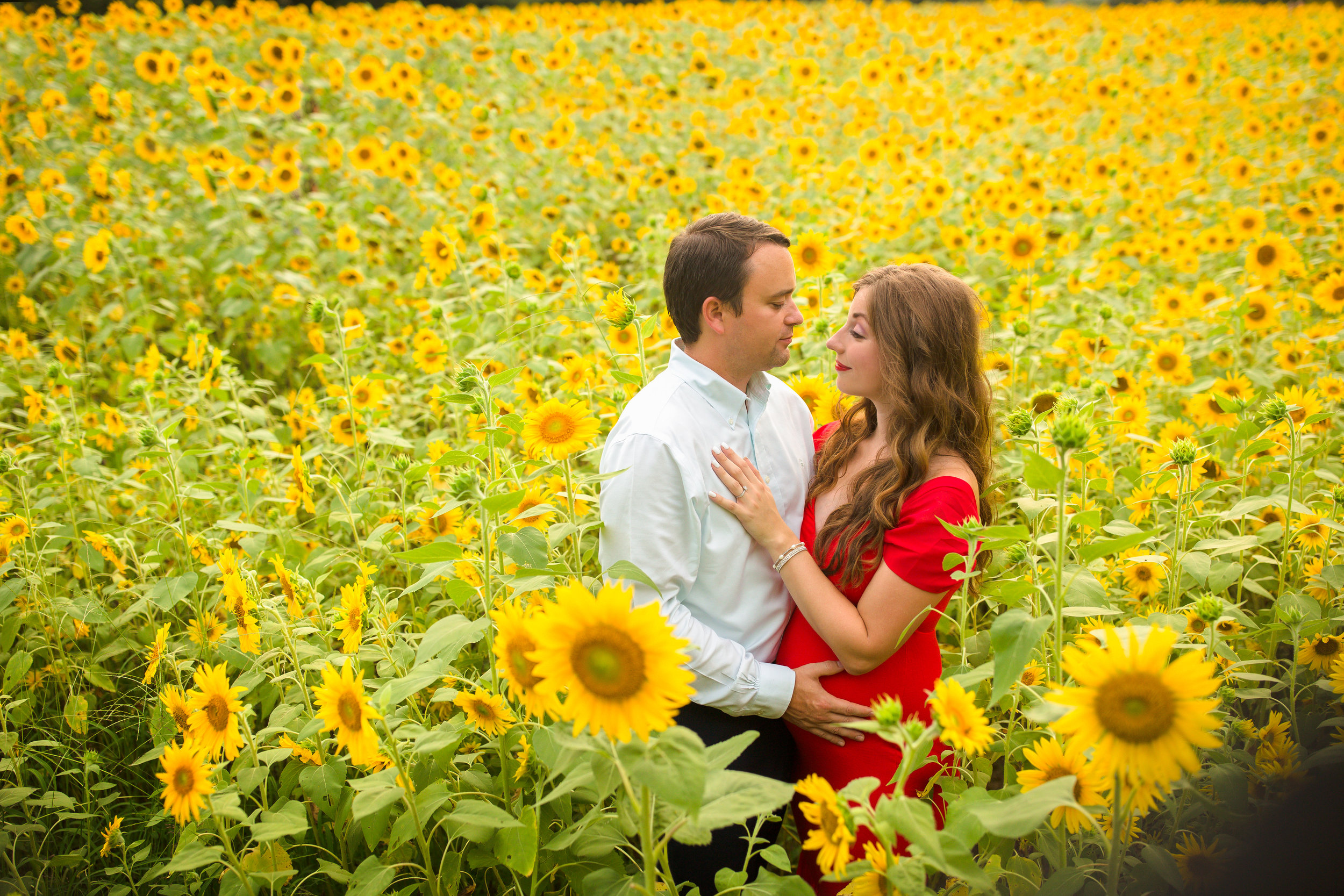 Alexis-&-Quent-Sunflower-Maternity-Nashville-Maternity-Photographer-Chelsea-Meadows-Photography-(9).jpg