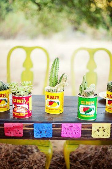 Creative tablescape idea  photo credits via  pinterest.com