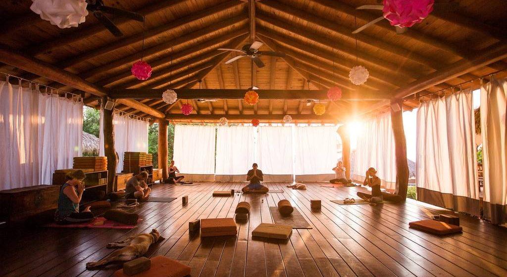 141-present-moment-retreat_boutique-hotel_spa-resort_yoga-retreat_restaurant_playa-troncones_guerrero-mexico_chris-hannant-photography_gentle-yoga_yoga-platform.jpg.1024x0-1024x560.jpg